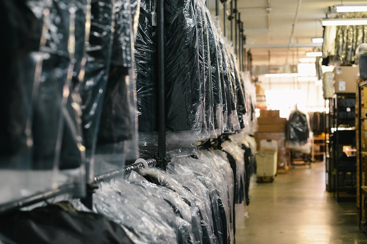 Opłata za magazynowanie towaru – jak ograniczyć koszta?